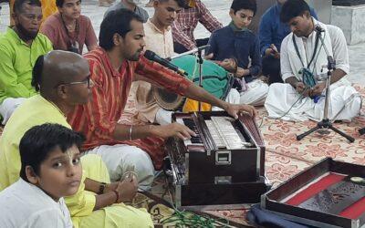 Vaisnava Bhajans through Hindustani Notes
